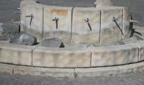 steinbrunnen.jpg